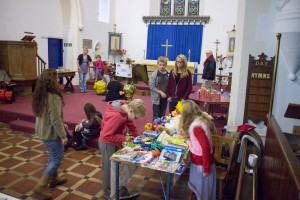 Childrens games and crafts